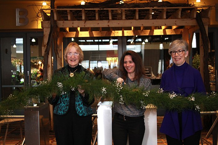 2018 CT Flower Show Ribbon Cutting Photo